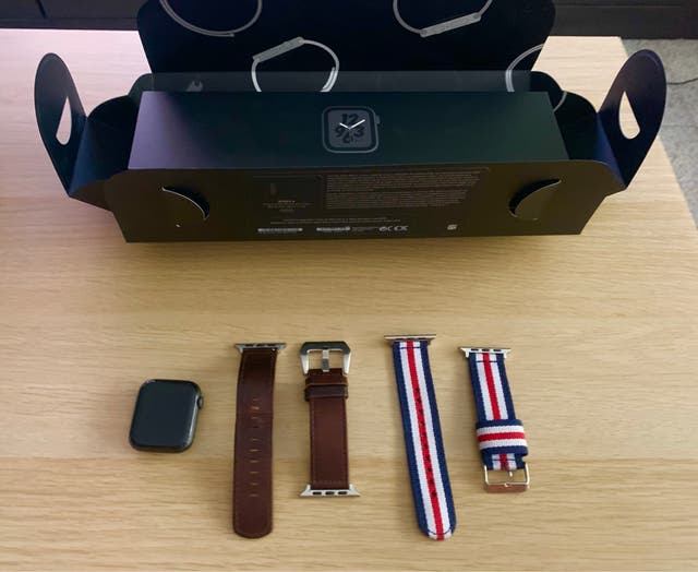 Apple Watch serie 4 ( GPS) ,Edición Nike 44 mm