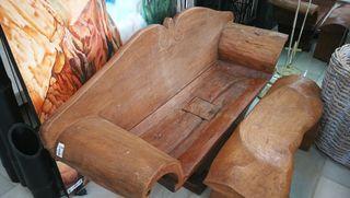 banco antiguo de madera de bali