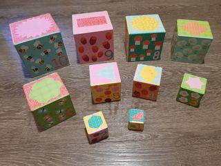 10 Cubos para apilar marca DJECO con caja.