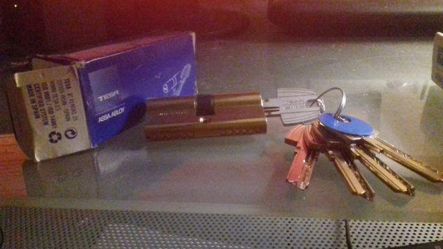 Bombín o cilindro de seguridad T60 30x30mm TESA