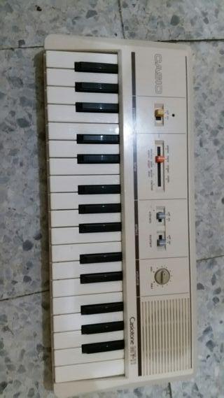 Órgano Casio MT11