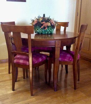 Mesa redonda extensible - 4 sillas a juego