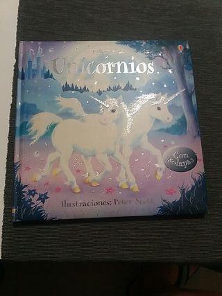 libro de solapas unicornio