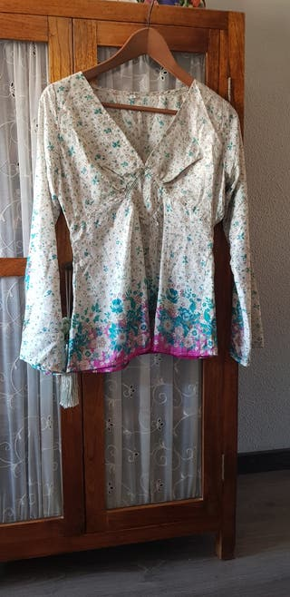 camisa, blusa de seda natural