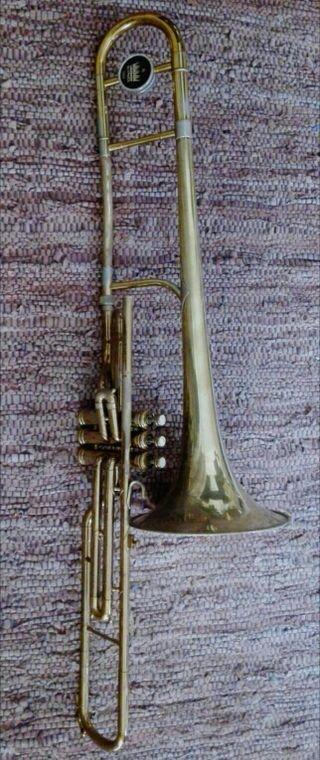 Trombón de pistones en Do King 3B