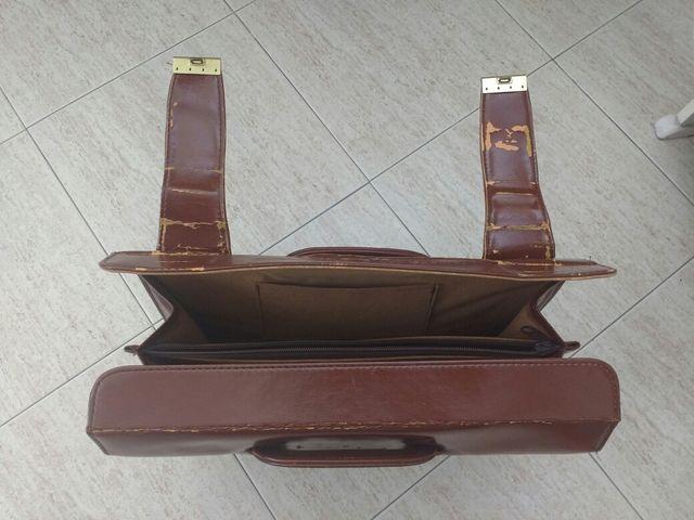 Maletín antiguo marrón