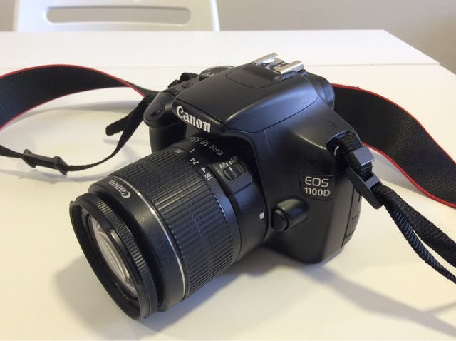 Canon EOS 1100D + Objetivo 18-55 mm+ Funda Lowepro
