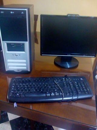 Lote ordenador + pantalla + teclado