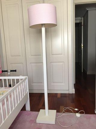 Lámpara de pie dormitorio infantil