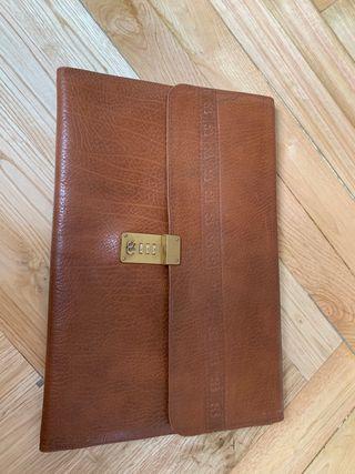 Portafolios Salvador Bachiller cuero marrón