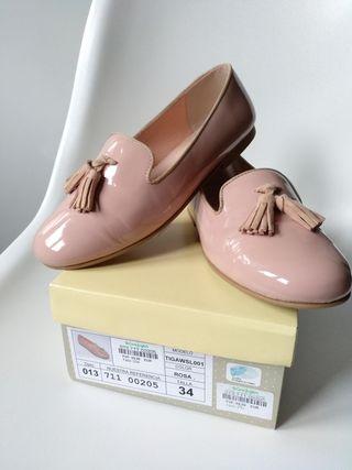 Zapatos niña n°34 (puestos 1 hora) Tizzas