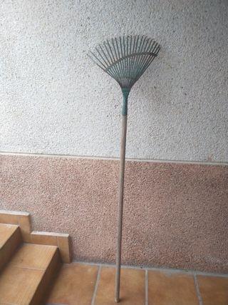 Rastrillo para jardin