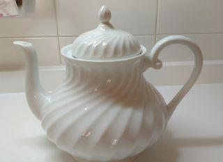 Tetera blanca porcelana fina