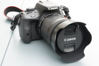Camara Reflex Canon EOS 100D / Objetivo 18:55 IS