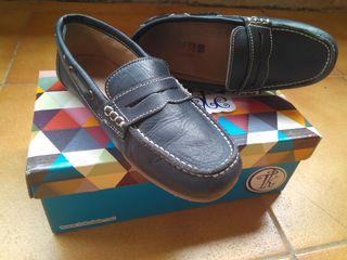 Zapatos Comunión o Escolar náutico. N. 30