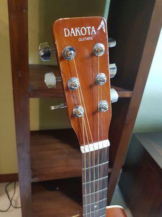Guitarra acustica Dakota