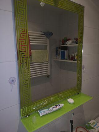espejo de baño con repisa