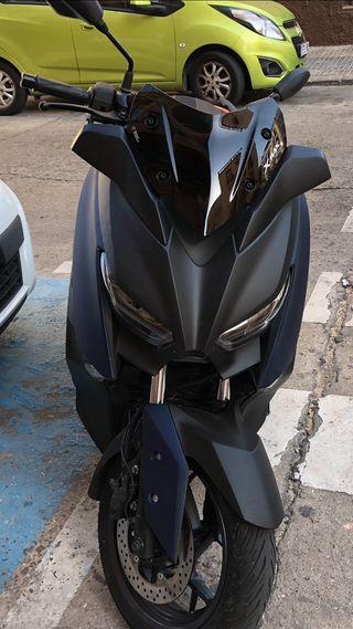 Yamaha x Max 300 ABS