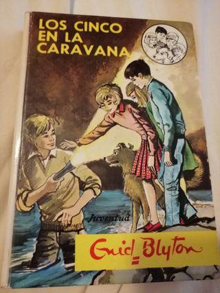 Los Cinco en la Caravana