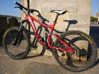 Bicicleta Rocky Mountain Slayer 30 con poco uso
