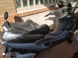 se vende Piaggio x9 250cc
