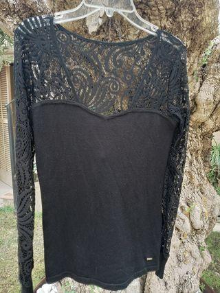 camiseta encaje negra morgan