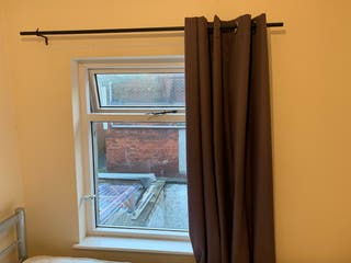 Window curtain and pole