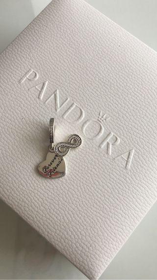 Pandora colgante friends