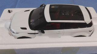Range Rover Evoque Maqueta escala 1/18 Welly