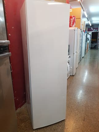 congelador vertical Balay de 1 85 M