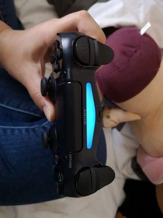 Manette de PS4 neuve
