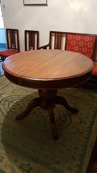 Mesa vintage de madera de nogal