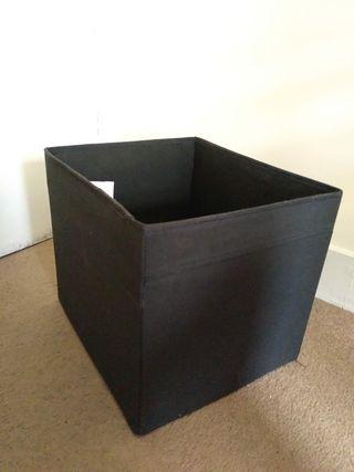 desk,wheelchair,trashcan,mix electrónica,box