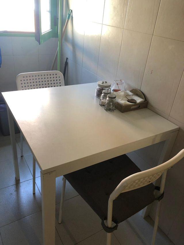 MESA Y SILLAS COMEDOR IKEA de segunda mano por 30 € en ...