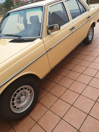 MERCEDES-BENZ - W123 300D