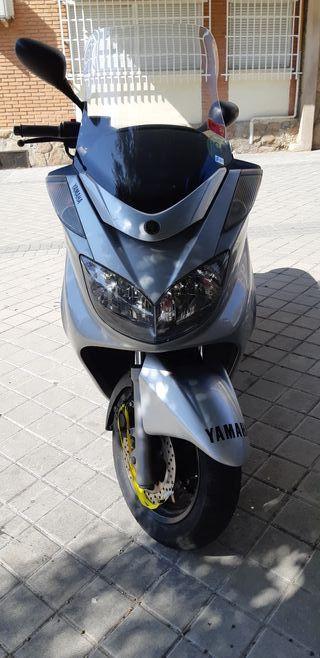 Yamaha Majesty YP 400 ABS