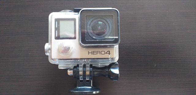 cámara go pro 4 con carcasa