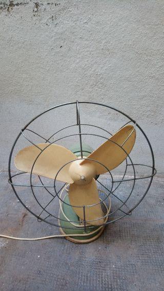 Antiguo ventilador Ruton
