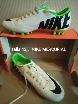 Zapatos fútbol talla 42,5