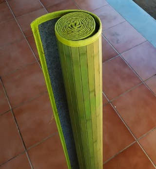 Alfombra de bambú color verde
