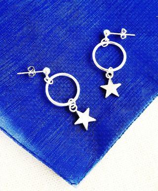 Pendientes aros estrellas