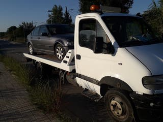 Grúa porta coches