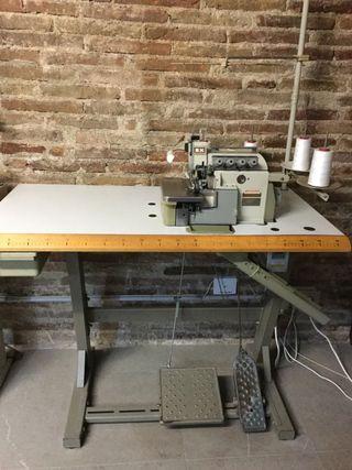 Maquina de coser overlock PEGASUS