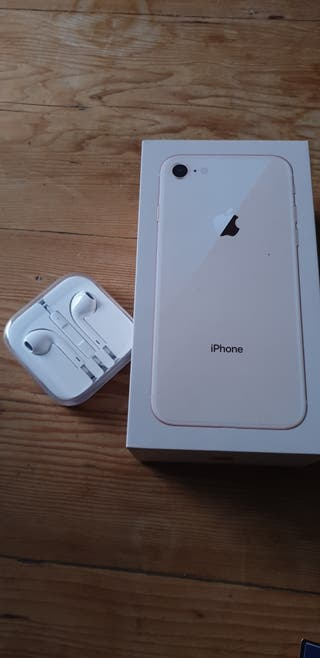 unlocked iPhone 8 64gb Excellent Condition