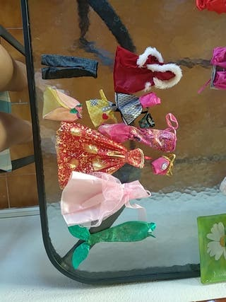 Pack ropa Barbie