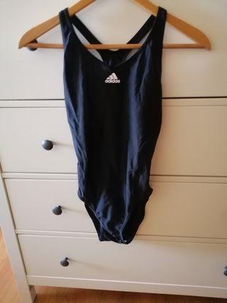bañador natación Adidas S, nuevo sin uso