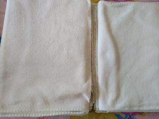 Dos mantas blancas