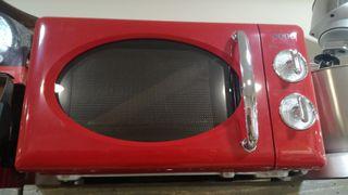 Microondas Rojo( Nuevo de fabrica)