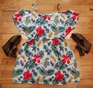 vestido de flores hawaianas