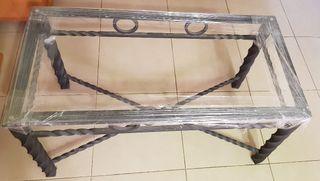 Mesa artesanal de forja